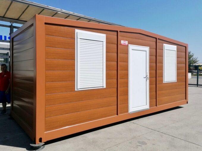 Специално проектиран контейнер за пчели от Топ Хаус ООД