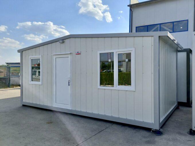 КОнтейнер с двускатен наклон 300/600 - 18 кв.м с две помещения