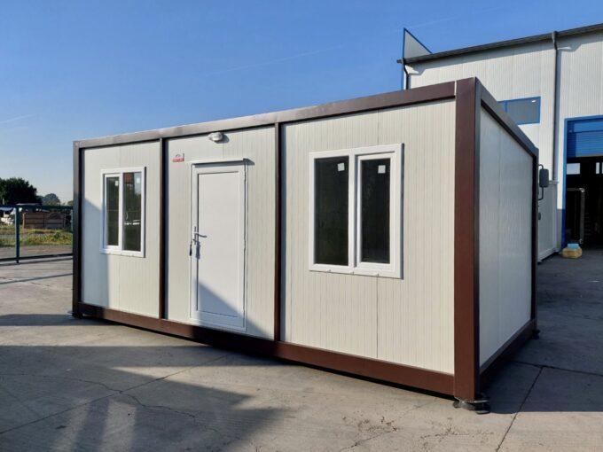 Стандартен контейнер с две помещения и баня 18 кв.м